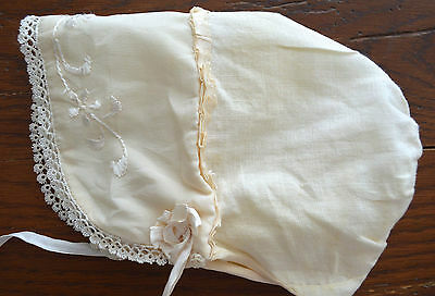 VINTAGE 1930s CHILDS IVORY HAT BONNET TATTING AND EMBROIDERY LARGE BRIM SWEET!