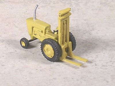 N Scale Industrial Ford Tractor Fork Lift