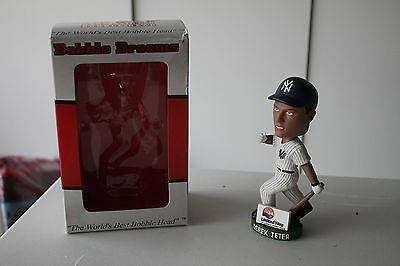 New York Yankees SGA 2001 Derek Jeter NIB  MLB Baseball