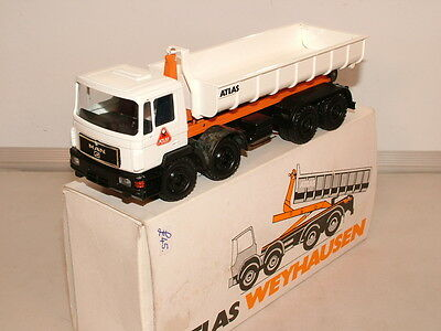 Conrad Mercedes 8 wheeler fitted with an Atlas ro/ro unit VNMB