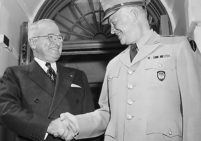 Art print POSTER / Canvas Harry Truman Shaking Hands with Eisenhower
