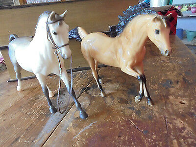 Pair of Breyer horse horses 2 piece set childrens play toy animals Stamped Belly