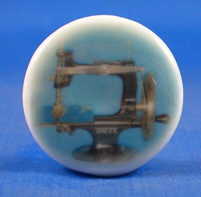 1 inch China Collectable Sewing Button -- Miniature Singer Sewing Machine
