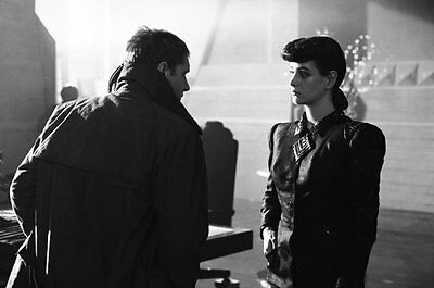 Harrison Ford & Sean Young UNSIGNED photo - P2152 - Bladerunner
