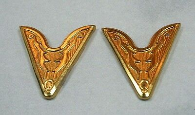 Striking  Etched Gold Tone Cowgirl Collar Tips ~ So - Glam!