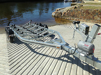 Savage Trailers Deluxe Roller Tandem Boat Trailer 2.5T Suit F/g Boats Up To 6.2M