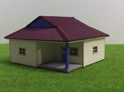 HO scale Weatherboard house H001 (KIT)