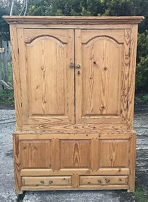 ANTIQUE PINE PRESS/WARDROBE/ CUPBOARD/TVCABINET free delivery 100 miles of dl2