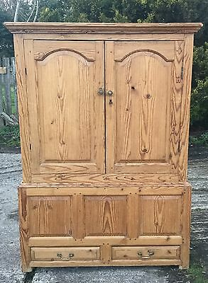 Antique Pine Press/wardrobe/ Cupboard/tvcabinet