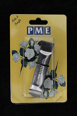 Cake Decorating - PME Straight Line Serrated Crimper. Free 1st class post