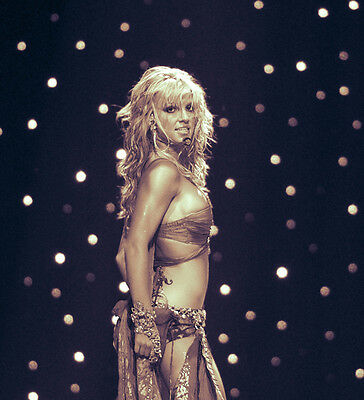 Britney Spears UNSIGNED photo - B348 - American singer and actress