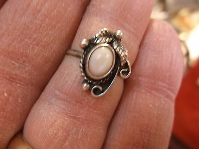 #189 of 245, NICE VTG LADIES STERLING SILVER & WHITE MOTHER OF PEARL RING, 5.25