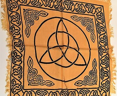 "Altar Cloth/Wiccan/Pagan/Wall Tapestry/Scarve Gold Triquetra 18"" x 18"" SCV23GD"