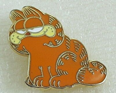 1978 VINTAGE GARFIELD (c) UNITED FEATURE SYNDICATE INC KATS MEOW LAPEL PIN SIGNE