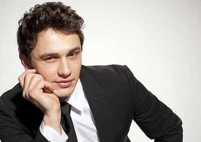 James Franco UNSIGNED photo - B1410 - HANDSOME!!!!!