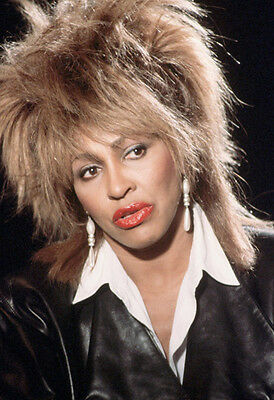 Tina Turner Unsigned Photo - 8126 - Sexy!!!!!