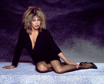 Tina Turner Unsigned Photo - 8136 - Sexy!!!!!