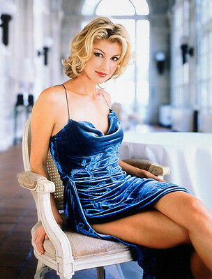 Faith Hill Unsigned Photo - 9214 - American Country Pop Singer