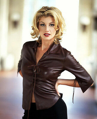 Faith Hill Unsigned Photo - 9220 - It Matters To Me, Cry & Mississippi Girl