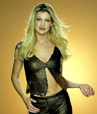 Faith Hill Unsigned Photo - 9221 - Gorgeous!!!!!
