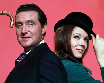 PATRICK MacNEE & DIANA RIGG UNSIGNED PHOTO - 4742 - THE AVENGERS