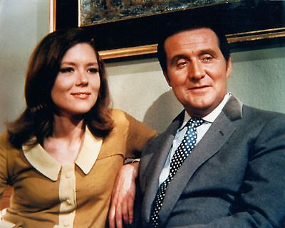 PATRICK MacNEE & DIANA RIGG UNSIGNED PHOTO - 4743 - THE AVENGERS