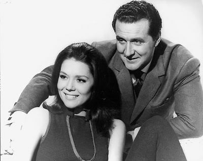 PATRICK MacNEE & DIANA RIGG UNSIGNED PHOTO - 4746 - THE AVENGERS