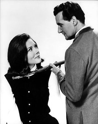 PATRICK MacNEE & DIANA RIGG UNSIGNED PHOTO - 4759 - THE AVENGERS
