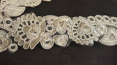*Unique off white embroidered trim lace for crafting designing decor edging 1M