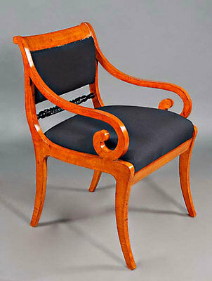 C-Gm-137 Beautiful Armchair Chair Seating furniture antique in the Biedermeier