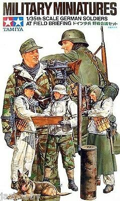 Tamiya 35212 1/35 Scale Model Figure Kit WWII German Soldiers at Field Briefing