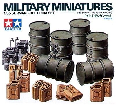 Tamiya 35186 1/35 Scale Military Model Kit WWII German Fuel Drum & Jerry Can Set