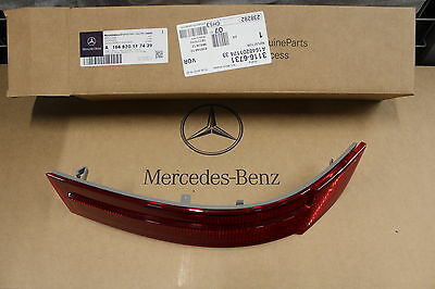 Genuine Mercedes-Benz X164 GL LH Rear Bumper Reflector Lens A1648201174 NEW