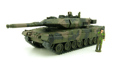 Siku 4913 Leopard 2 Battle Tank with Figurine Scale 1:50 New for AU 2016