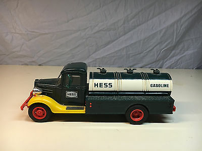 Old  Vtg 1980's HESS TRUCK Gasoline Tanker Truck Toy Still Piggy Coin Bank