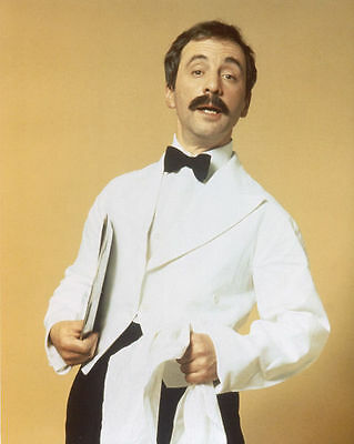 Andrew Sachs Unsigned Photo - 567 - Fawlty Towers