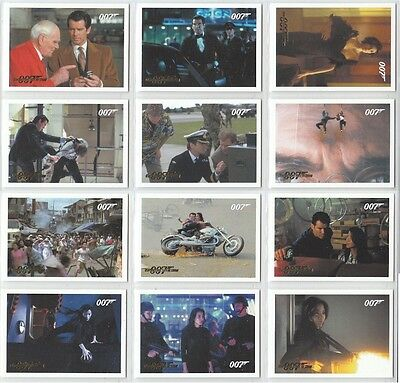 """James Bond Archives 2014: """"Tomorrow Never Dies"""" Set Gold Parallel Selection"""