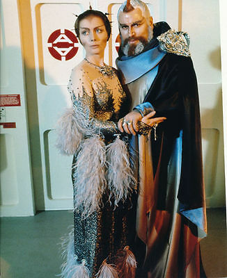 Catherine Schell & Brian Blessed Unsigned Photo - 5765 - Space 1999