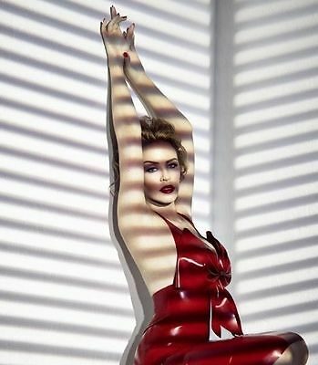 Kylie Minogue Unsigned Photo - 8167 - Beautiful!!!!!