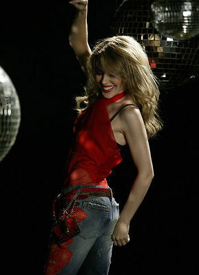 Kylie Minogue Unsigned Photo - 8251 - Spinning Around