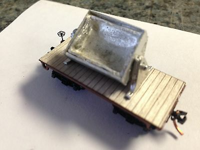 Ulrich N Scale Old Time Flat Car With Dumping Mine Cart All Metal 6 Car Set