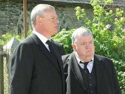 DOC MARTIN UNSIGNED PHOTO - 819 - MARTIN CLUNES AND IAN McNEICE