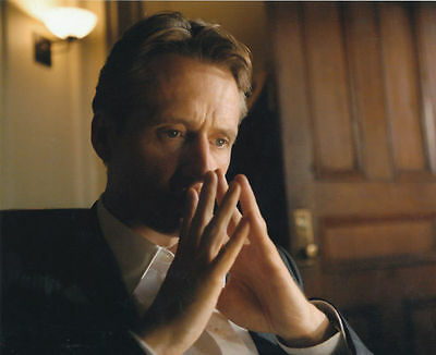 Linus Roache Unsigned Photo - 534 - Law & Order