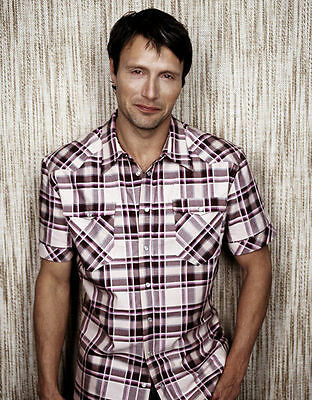 Mads Mikkelsen Unsigned Photo - 8387 - Handsome!!!!!