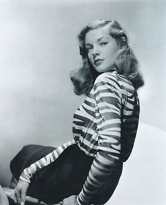Lauren Bacall Unsigned Photo - 6091 - Gorgeous!!!!!