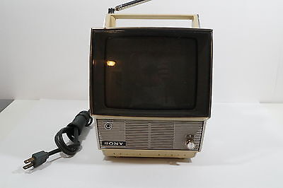 D494 Vintage 60's Micro Portale B/W Sony VHF Micro TV Model 7 - 75W Working