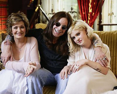 The Osbourne's Unsigned Photo - 7857 - Ozzy, Sharon & Kelly