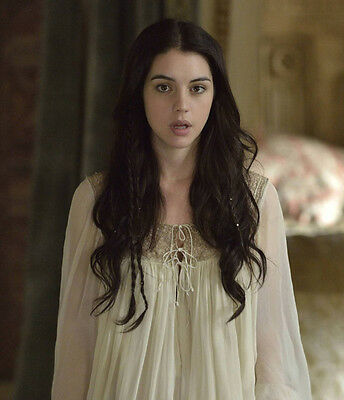 Adelaide Kane UNSIGNED photo - B1709 - Reign
