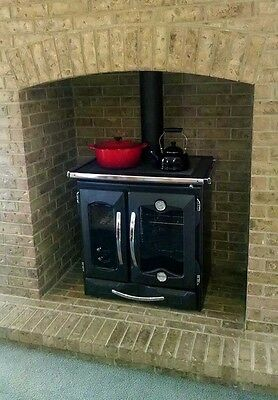 "Cast Iron Wood Stove ""Suprema Black"" by La Nordica , 27K BTUs"