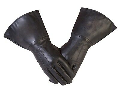 Gauntlet in Real Leather with 3 Darts in Black